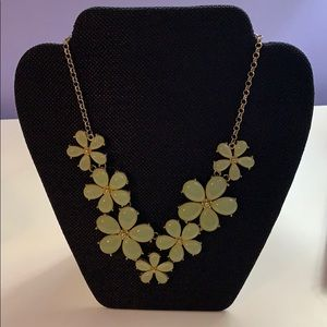 Jewelry - Chunky Floral Necklace